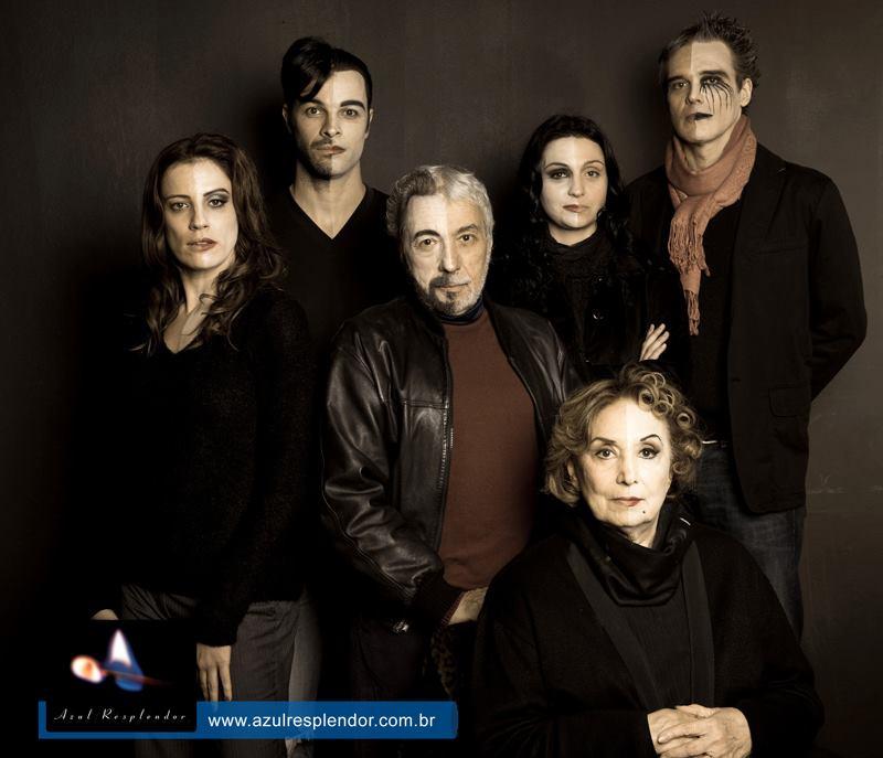 Elenco da peça Azul Resplendor, em cartaz no teatro Renaissence, SP.