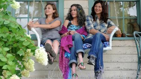 Três gerações vivendo um conflito familiar (sem drama) no filme Paz, Amor e Muito mais