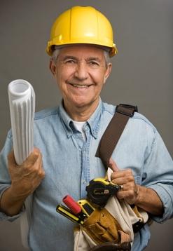 Segundo Alexandre Kalache, presidente do Centro Internacional de Longevidade, é preciso ser ativo para ter boa saúde na velhice. Erga as mangas e mãos à obra!
